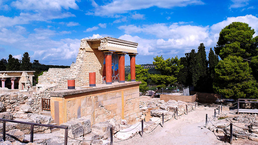 KNOSSOS PALACE – GREEK MYTHOLOGY